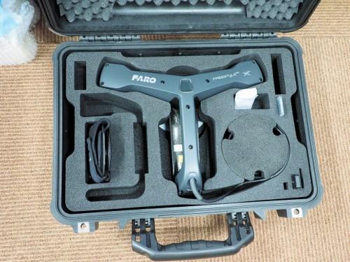 専用ケースに収納されたFreestyle3D X。手軽に持ち運び、いつでも3D計測ができる