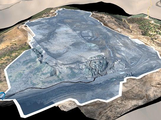 ドローンによる空撮データをもとに作成した造成現場の3Dモデル。オートデスクのInfraWorks360により、降雨時の水みちを正確に解析した