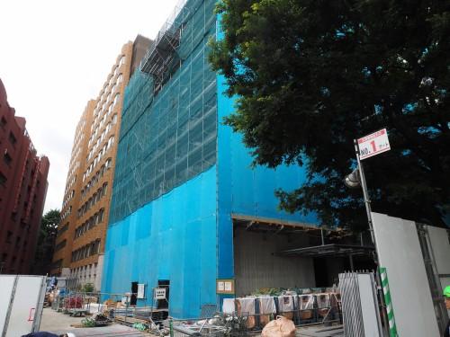 東京大学本郷キャンパスで施工中の理1号館の建物