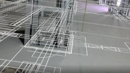 現場の床には、実寸大のCAD図面が重なって見られる