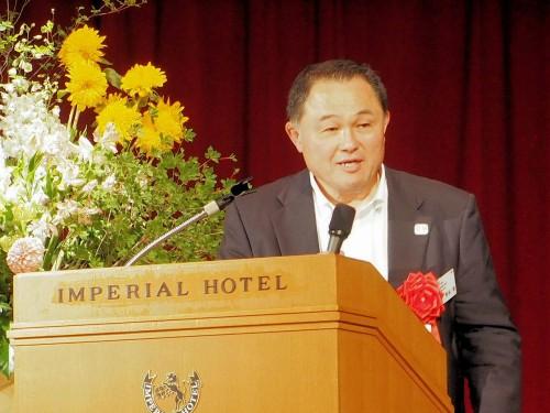 フォーラムエイト設立30周年記念式典で特別講演を行う柔道金メダリスト、山下泰裕氏