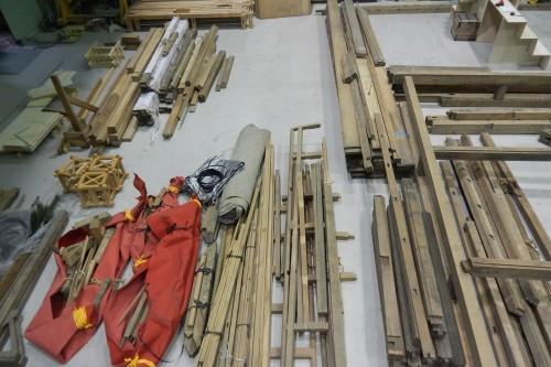 北海道職業能力開発大学校に持ち込まれた能舞台の部材