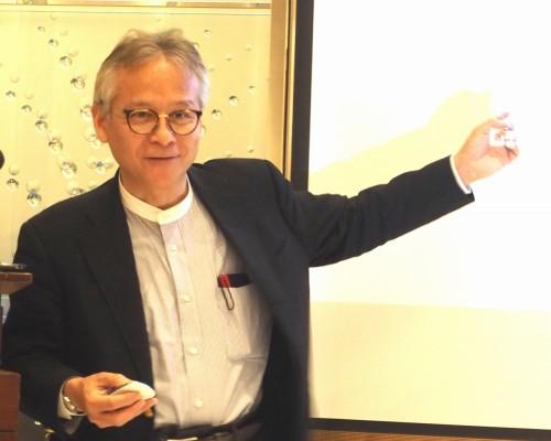 フォーラムエイト主催の特別講演会で語るMITメディアラボ副所長の石井裕氏