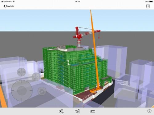 建物躯体の反対側に位置するクレーンによる作業検討。各クレーンのオペレーターからは相手のクレーンが見えないが、iPad上で俯瞰すると作業時の様子がよく理解できる