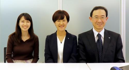東洋建設DXデザイングループのスタッフ。左から星野早香氏、茂木満美氏、グループ長の前田哲哉氏