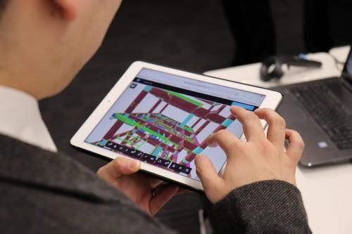 iPadによる工事所でのBIMモデル活用も行っている