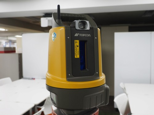 電源を入れると自動的に鉛直軸の方向を調整する機能を搭載した「LN-100」