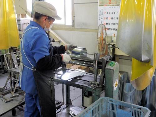 3. 機械による曲げ加工や折り加工