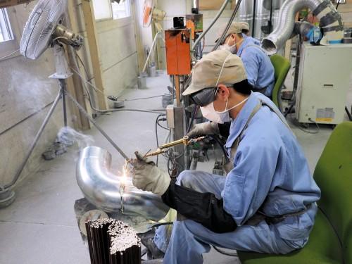 4. 溶接やハゼ加工による接合